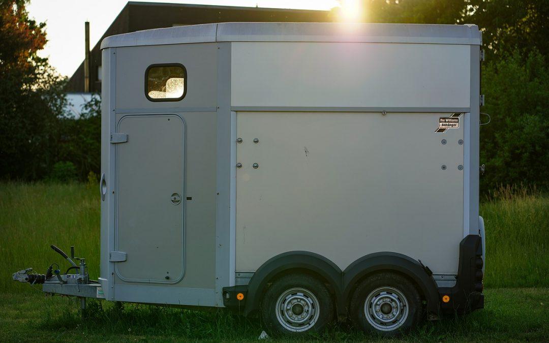Camion chevaux : Comment choisir le modèle qui vous convient ?